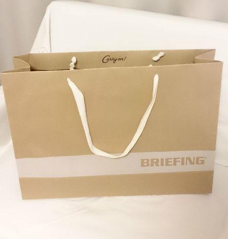 BRIEFING紙袋
