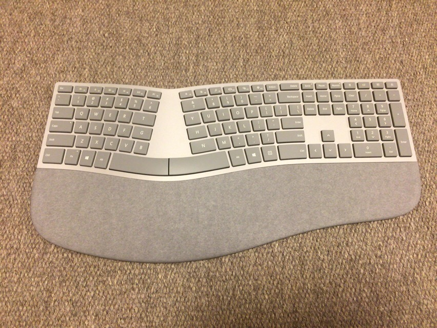 Surface Ergonomic Keyboard本体
